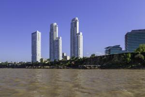 Rascacielos Rosario mit Wohnung von Messi