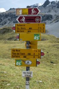 Auch viele Biker sind im Val Mora
